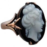 antique-onyx-agate-cameo-ring Beryl Lane - Vintage c1930 Elegant 9ct Gold Leaf Embellished Cameo Earrings
