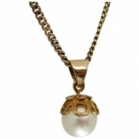 vintage-9k-gold-single-pearl-pendant-necklace Beryl Lane - Antique Edwardian Elegant 9ct Gold Akoya Pearl Brooch