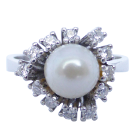 vintage-pearl-and-diamond-ring Beryl Lane - Contemporary 18ct White Gold Diamond Filigree Ring