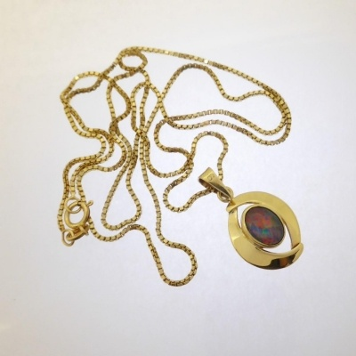 0292_2l Beryl Lane - Vintage Retro 60's Colourful Opal Triplet Pendant with 9ct Gold Necklace
