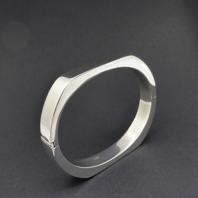 p1090143 Beryl Lane - Ladies Sterling Silver Contemporary Bangle, 10mm wide