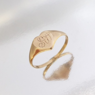 p1100875_316131792 Beryl Lane - Vintage 9ct Gold Heart Signet Ring with Script Initials 'SW'