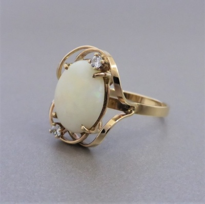 vintage-opal-gold-ring_2 Beryl Lane - Vintage Retro 60's Australian Solid White Opal & CZ Ring in 9ct Gold