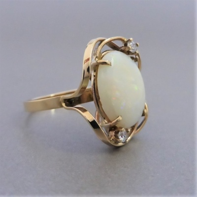 vintage-opal-gold-ring_6 Beryl Lane - Vintage Retro 60's Australian Solid White Opal & CZ Ring in 9ct Gold