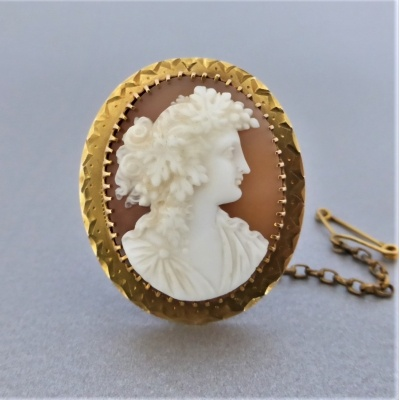 antique_carved_shell_bacchante_cameo_brooch_in_9k_gold_2 Beryl Lane - Antique Carved Shell Bacchante Cameo Brooch in 9ct Gold