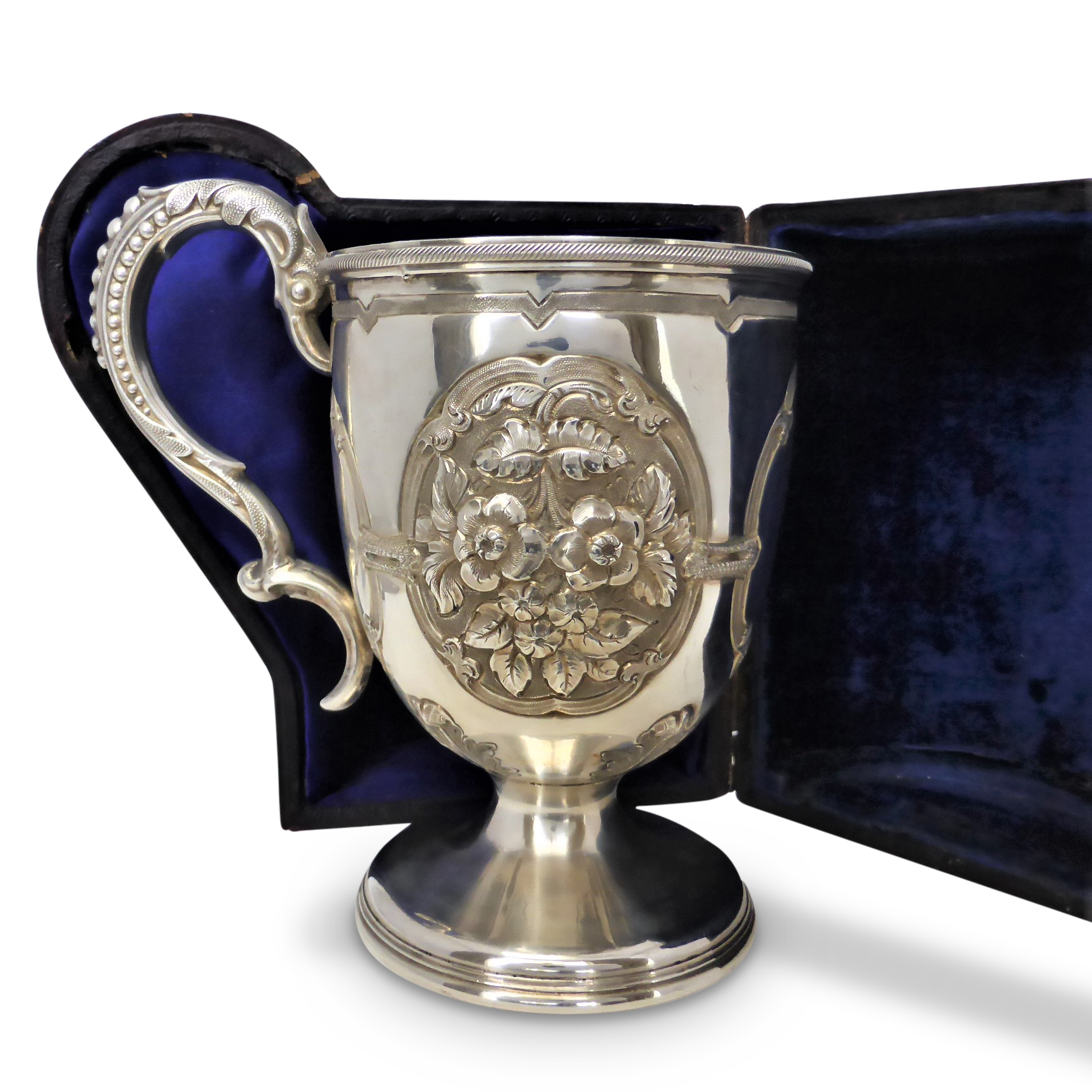 victorian_sterling_silver_repousse_christening_mug_by_hilliard__thomason_cased_1 Beryl Lane - Collectibles