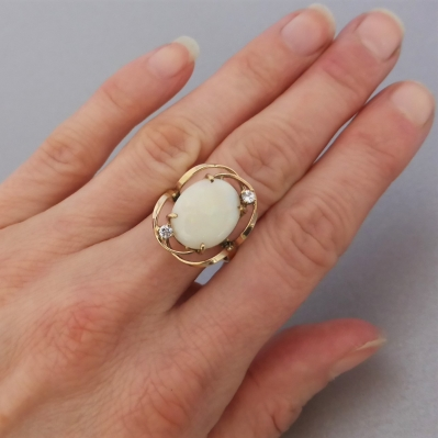 vintage-opal-gold-ring_5 Beryl Lane - Vintage Retro 60's Australian Solid White Opal & CZ Ring in 9ct Gold